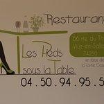 Photo of Les Pieds sous la Table