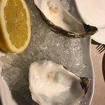 Besugo de 9 , arroz cremoso de 8 , almejas y ostras muy buenas , la torrija de 10