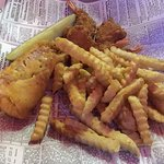Wellingtons - Winona, Minnesota - Fish (Haddock) & Shrimp Dinner