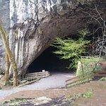 ruta de senderismo al exteriro de la cueva