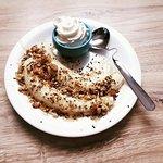 Healthy dessert: banana, walnuts and honey