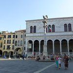 Padova, Piazza dei Signori Colonna Marciana e Loggia del Consiglio