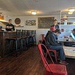 Red Skiff Restaurant Foto