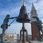 Cloche et sonneurs, Tour de l'horloge, Venise