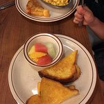 child's grilled cheese sandwich w'fruit and child's mac 'n cheese