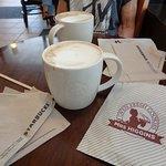 Foto de Starbucks Queen Street