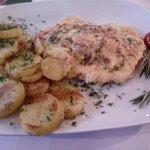 Allgäuer Schnitzel mit Röstkartoffeln