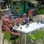 Foto de Dinghy's Beach Bar and Grill