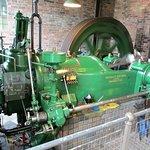 4 stoke internal combustion engine running