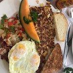 Foto de Peg's Glorified Ham n Eggs