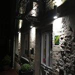Find the entrance to La Rapiere just off Rue Saint-Jean