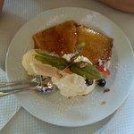 Crepes mit Vanillleeis