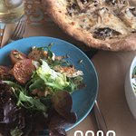 Delicious mushroom pizza and chicken and goat's cheese pizza. We visited at 4pm on a beautiful d