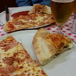 Lit pizza and calzone