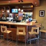 Bar (full service)