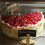 Bela ribež cake
