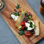 Heirloom tomato & cheese board