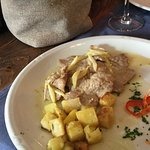 Veal escalope with lemon