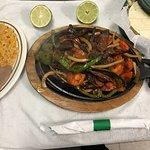 Excelente comida mexicana 😋😋🍤🌮🍲