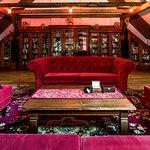 Biblioteka, filmoteka i miejsce do słuchania muzyki