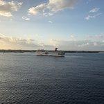 Ship's docking