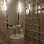 bathroom standart room