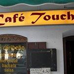 un lugar  pasarlo muy bien,  música latina, salsa, bachata ,merengue,regguetón y dembow