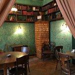 Massolit Books and Cafe – fénykép
