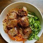 Bun Nem Chay (vermicelli with vegetarian spring rolls)