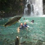 Local maravilhoso, água com temperatural excelente, cheio de peixes que pulam pra comer maçã