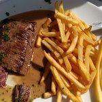 pavé de boeuf sauce poivre + frites