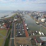 Blick auf den Neuen Hafen und den Zoo
