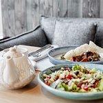 Прекрасное начало обеда с нашим чудесным салатом гриль.