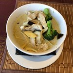 Gaeng Kiow Wan (Green Curry With Chicken And Vegetables)