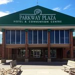 Parkway Plaza Hotel & Convention Center