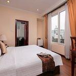 Rosaliza Hotel Hanoi Photo