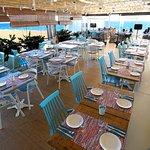Restaurante climatizado frente al mar