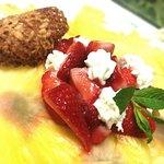 Carpaccio d'ananas et fraises, chantilly mascarpone