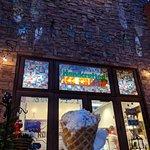 Foto van ROCKY RD Ice Cream Co