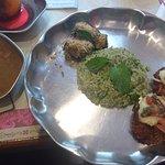 menu do dia, arroz com ervas, abobrinha recheada, caldo de lentilhas, hamburger de vegetais