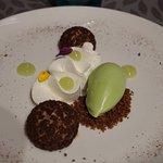 Le dessert : choux au praliné et sorbet de céleri branche, si si !