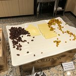 """Dried fruits and cheese """"selection"""""""