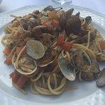 Spaghetti mit Venusmuscheln und Steinpilzen