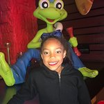 We had a great experience at Senor Frog today. My daughter had so much fun. Elena was the best!