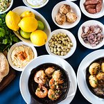 Mezedakia, pitta, Mediterranean prawns & garlic mushrooms