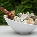 Steamed clams in a delicious white wine broth