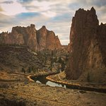Smith Rock State Park is only 10 minutes away!!