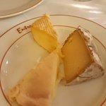 切り分けられたチーズ