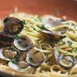 ▫️Avez vous goûté à nos spaghetti alle vongole (aux palourdes) ?▫️