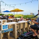 Live Music & Outdoor seating